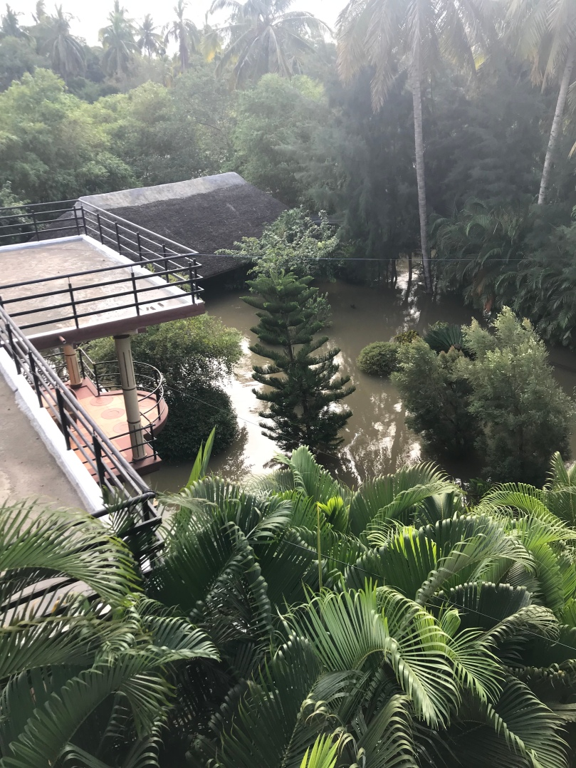 Le bâtiment voisin inondé